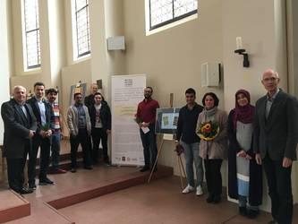 Gruppenfoto von den christlichen und muslimischen Künstlern